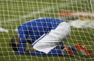 brasil ajukan banding soal sanksi neymar AtLTd5h0Ea 300x197 Brasil Ajukan Banding soal Sanksi Neymar