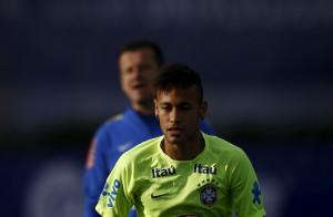 brasil dapat melangkah jauh meski tanpa neymar Vm8bjoTWrQ 300x196 Brasil Dapat Melangkah Jauh, meski Tanpa Neymar