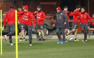 chilereyes 300x186 Duel Lawan Uruguay bak Final bagi Chile