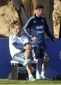mesmaschejuanmabromata 214x300 Messi, Man of The Match