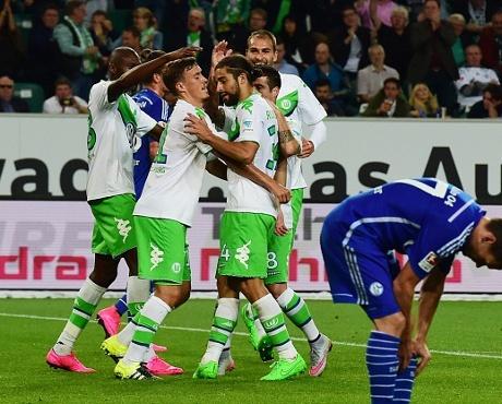 Wolfsburg Hantam Schalke 3-0