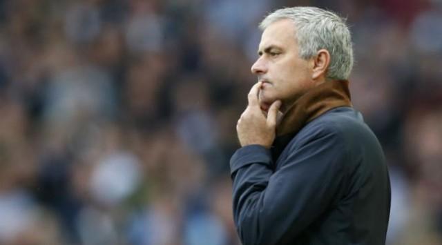 Mourinho Terancam Absen Dampingi Chelsea Lawan Liverpool