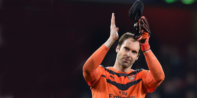 Seaman: Cech Buat Barisan Bek Arsenal Tenang