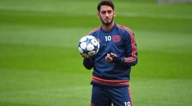 Wawancara Hakan Calhanoglu: Tendangan Bebas dan Leverkusen